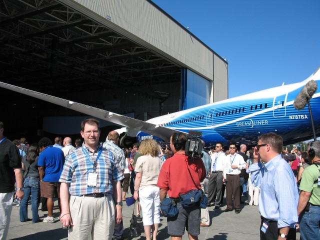 Ray Kujawa, 787 Engineer at Rollout 7-7-2007