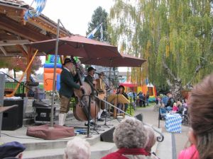 AlpenFolk, in downtown Leavenworth WA for Oktoberfest 2013