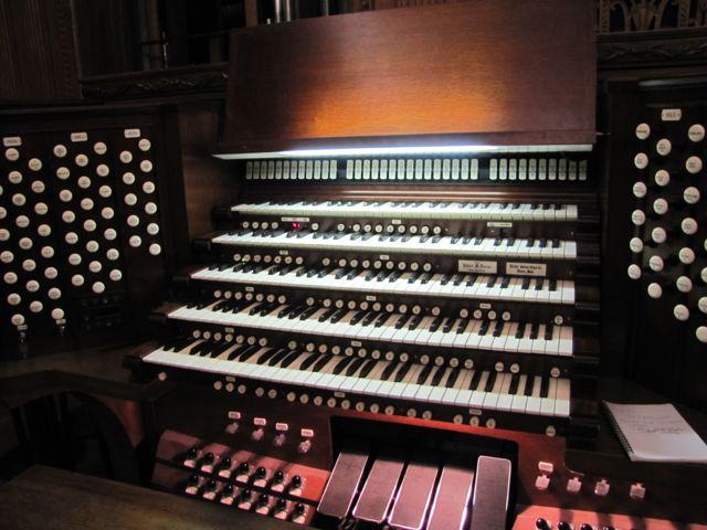 Curtis Organ