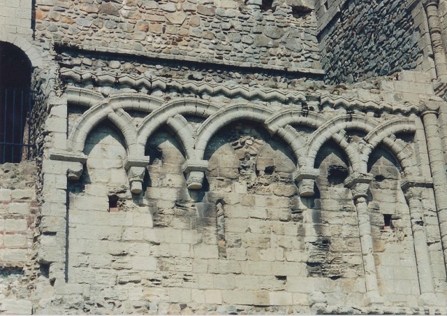 Castle Rising wall. Note the overlapping barrel arches-they make a pointed arch.