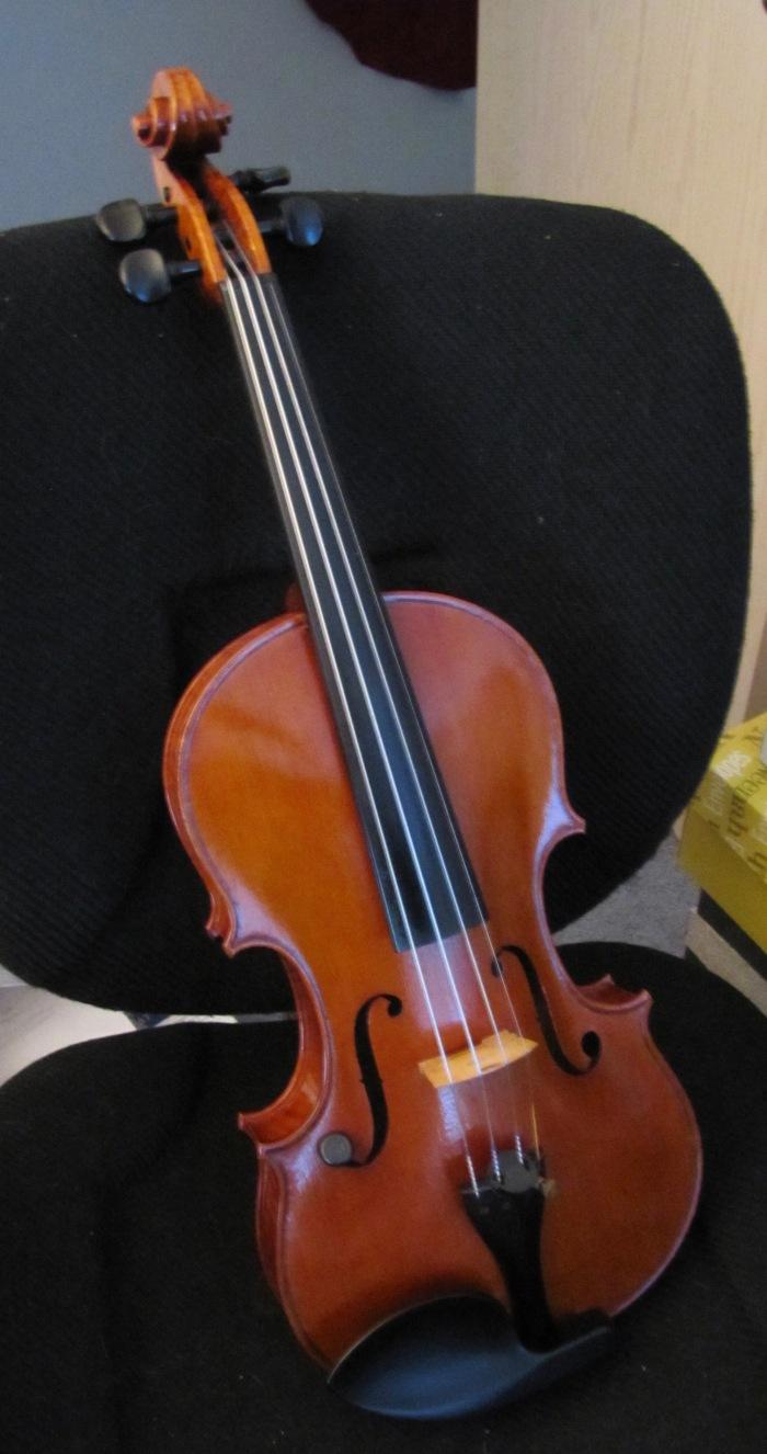 Violin front
