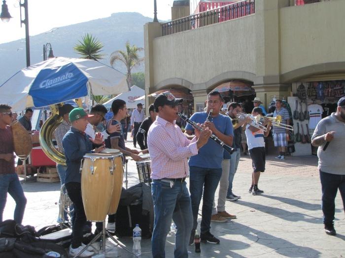 Band-PlazaMarina