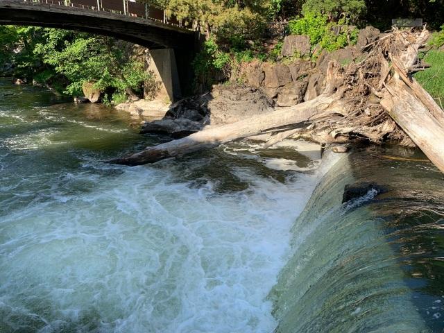 Falls-river bend