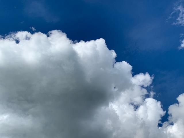 Clouds-white-blue